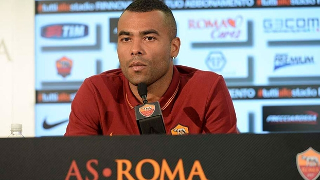 Ashley Cole apresentado no Roma